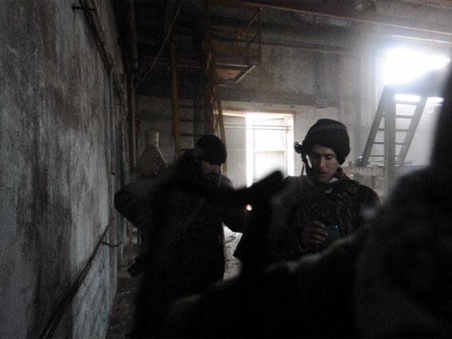 Осколок украинской мины попал в спину британскому журналисту Грэму Филлипсу