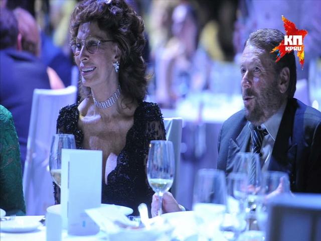 Мировые знаменитости посетили  благотворительный ужин фонда «Федерация»