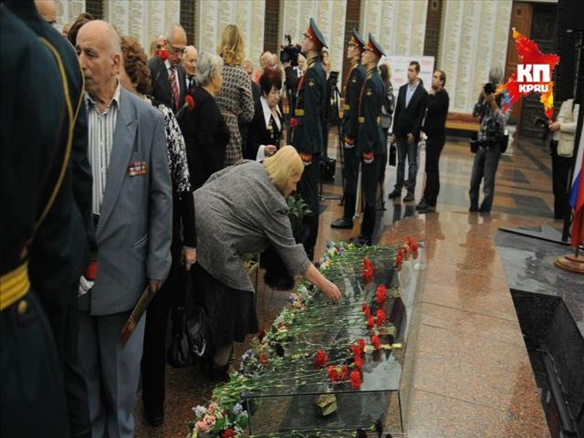 На балу победителей в Москве чевствовали ветеранов Великой Отечественной Войны