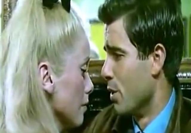 """""""Шербурские зонтики"""": 50 лет на экране"""