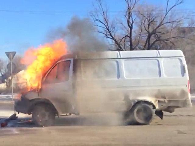 В Волгограде после ДТП загорелась «ГАЗель»