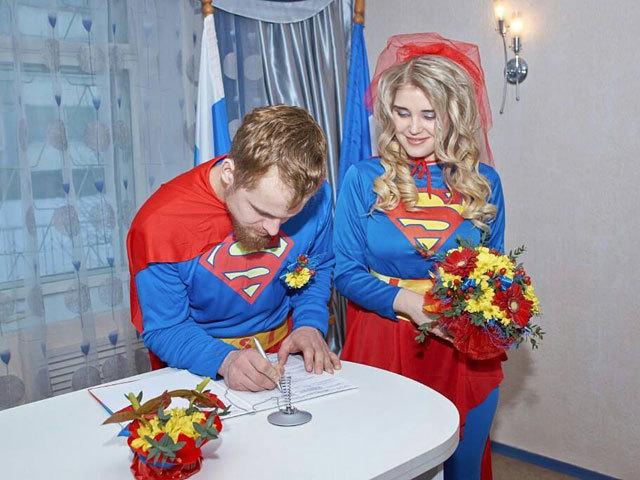Супергеройскую свадьбу сыграли молодожены в Иркутской области