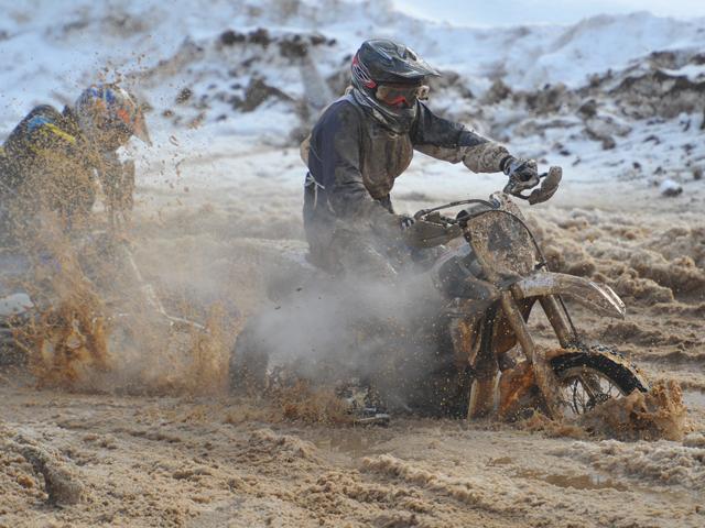Более 200 гонщиков участвовало в мотокроссе на приз Валерия Чкалова