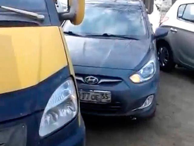 ДТП в Нефтяниках парализовало движение на одной из омских улиц
