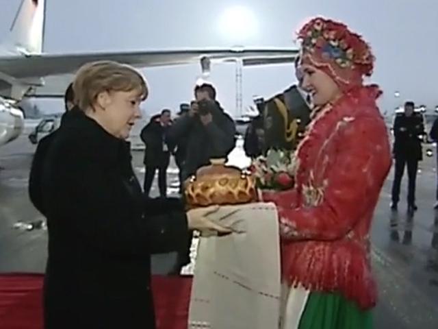 Почему Путина не встречали хлебом-солью