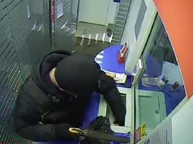 Дерзкое ограбление банка в Иркутске зафиксировали камеры видеонаблюдения