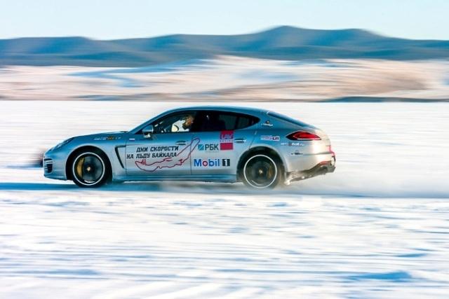 Рекорд скорости России поставили на льду Байкала