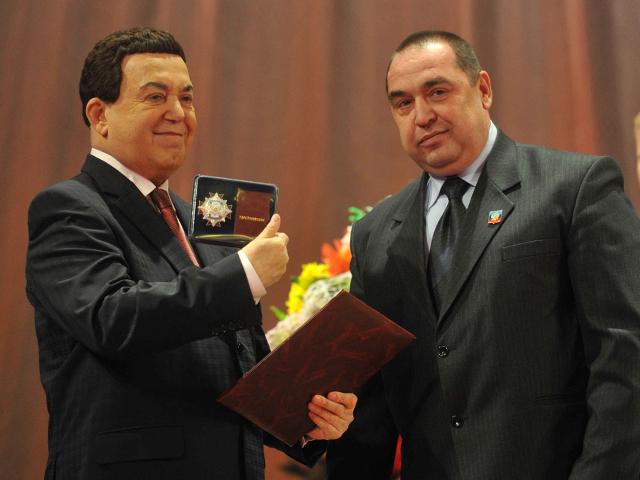 Иосиф Кобзон стал народным артистом Луганской народной республики