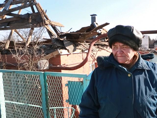 Жители Донецка возвращаются в свои разрушенные дома