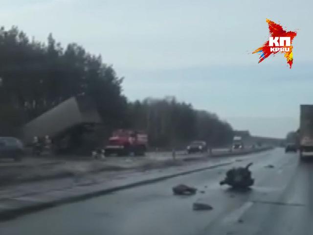На Автозаводе водитель выжила в чудовищном ДТП