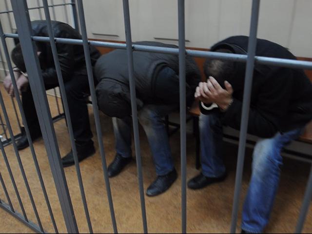 В Басманный суд доставили подозреваемых в причастности к убийству Бориса Немцова