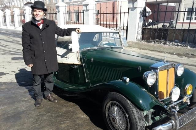 Иркутянин отреставрировал старинное авто для путешествий