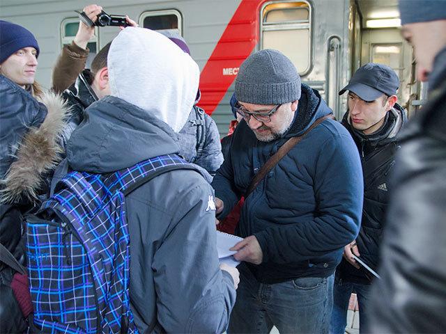 Юрий Шевчук устроил для самарских фанатов автографсессию прямо на вокзале
