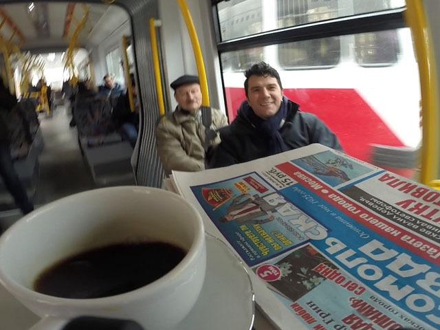"""Требуйте кофе и свежий номер """"Комсомолки"""" в трамваях города"""