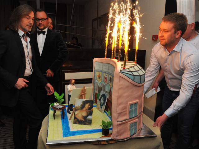 Никас Сафронов: День рождения - это канитель, но денег мне не жалко