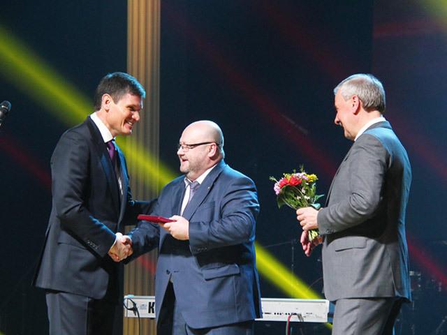 Лучшие металлурги ОМК получили награды