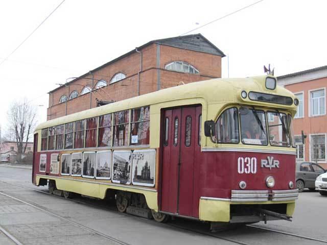 """""""Весна победы"""": экскурсии на ретро-трамвае по памятным местам Иркутска"""