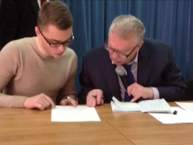 Лидер ЛДПР Владимир Жириновский проверил грамотность  московских школьников