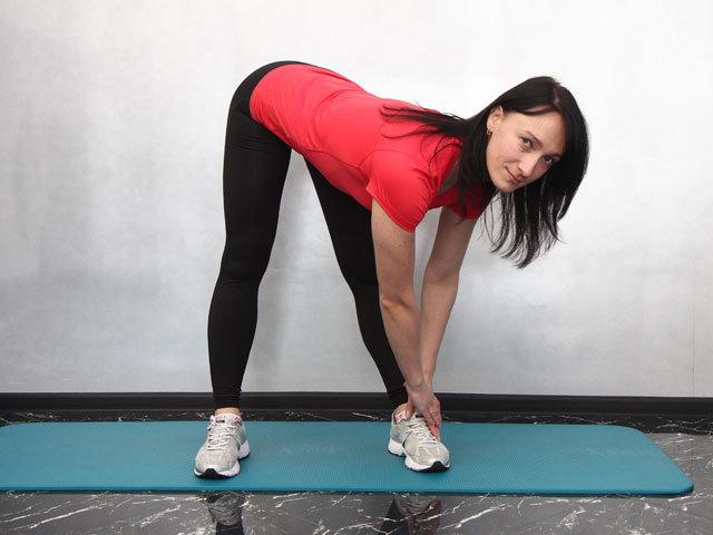 Занимаемся фитнесом дома: как сделать разминку?