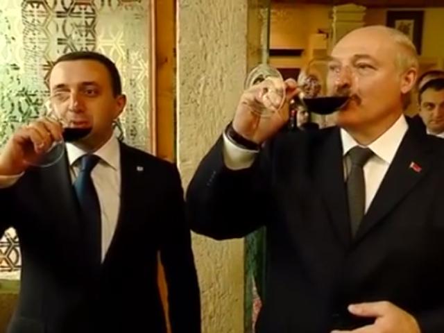 Александр Лукашенко вместе с премьер-министром Грузии Иракли Гарибашвили попробовали местное вино