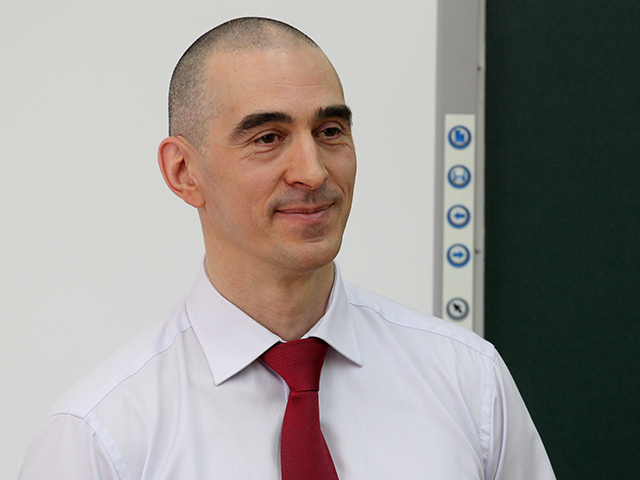 Космонавт Анатолий Иванишин приехал в Иркутск и ответил на вопросы школьников
