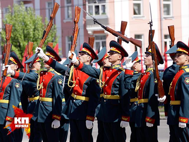 Выступление взвода почетного караула БЮИ на 70-летии Победы