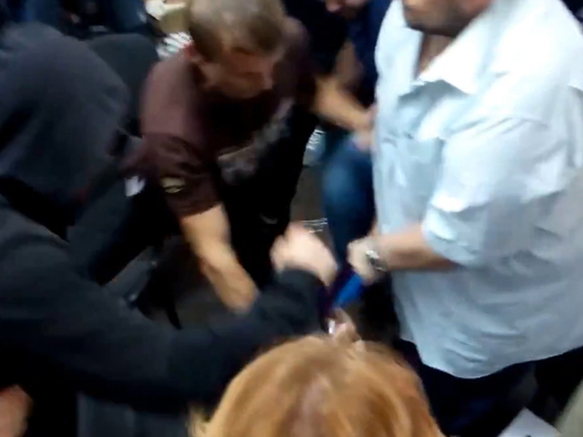 Пострадал телеведущий Алексей Дурнев