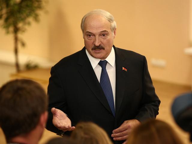 Александр Лукашенко: Я своему народу желаю здоровья, остальное купим