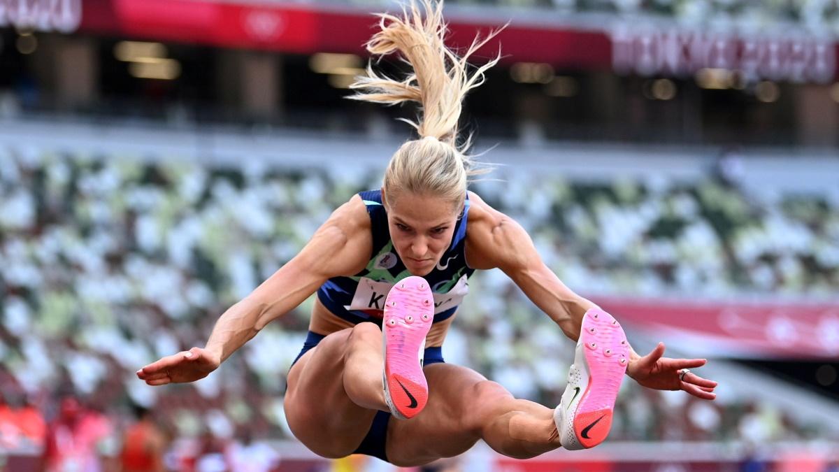 Дарья Клишина во время квалификации в прыжках в длину. Фото: REUTERS