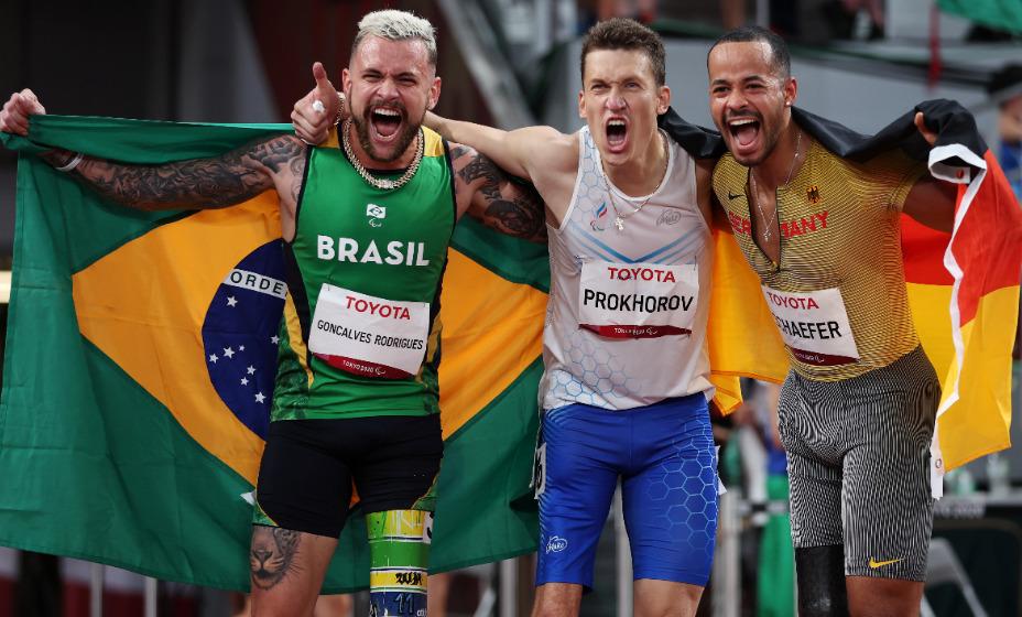 Легкоатлет сборной России Антон Прохоров - паралимпийский чемпион Игр-2020 в Токио. Фото: Reuters
