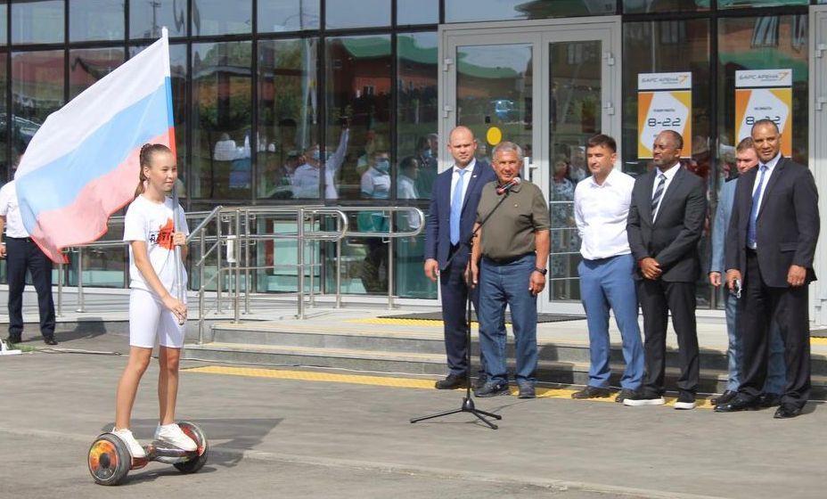 Президент Татарстана Рустам Минниханов и глава ИММАФ Керрит Браун открыли новую арену
